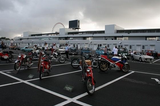 車輌紹介プレートは主催者側の鈴鹿サーキットが用意してくれました。
