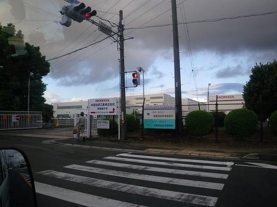 本田技研工業株式会社 鈴鹿製作所  早出の社員達が出勤です…おはようございます!!