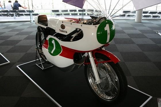 1965年ヤマハRD56
