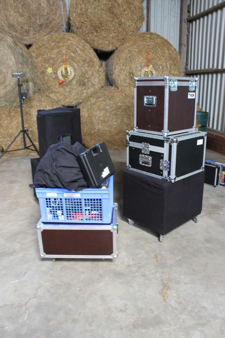 Das Equipment ist immer professionell verpackt…der Aufbau startet!