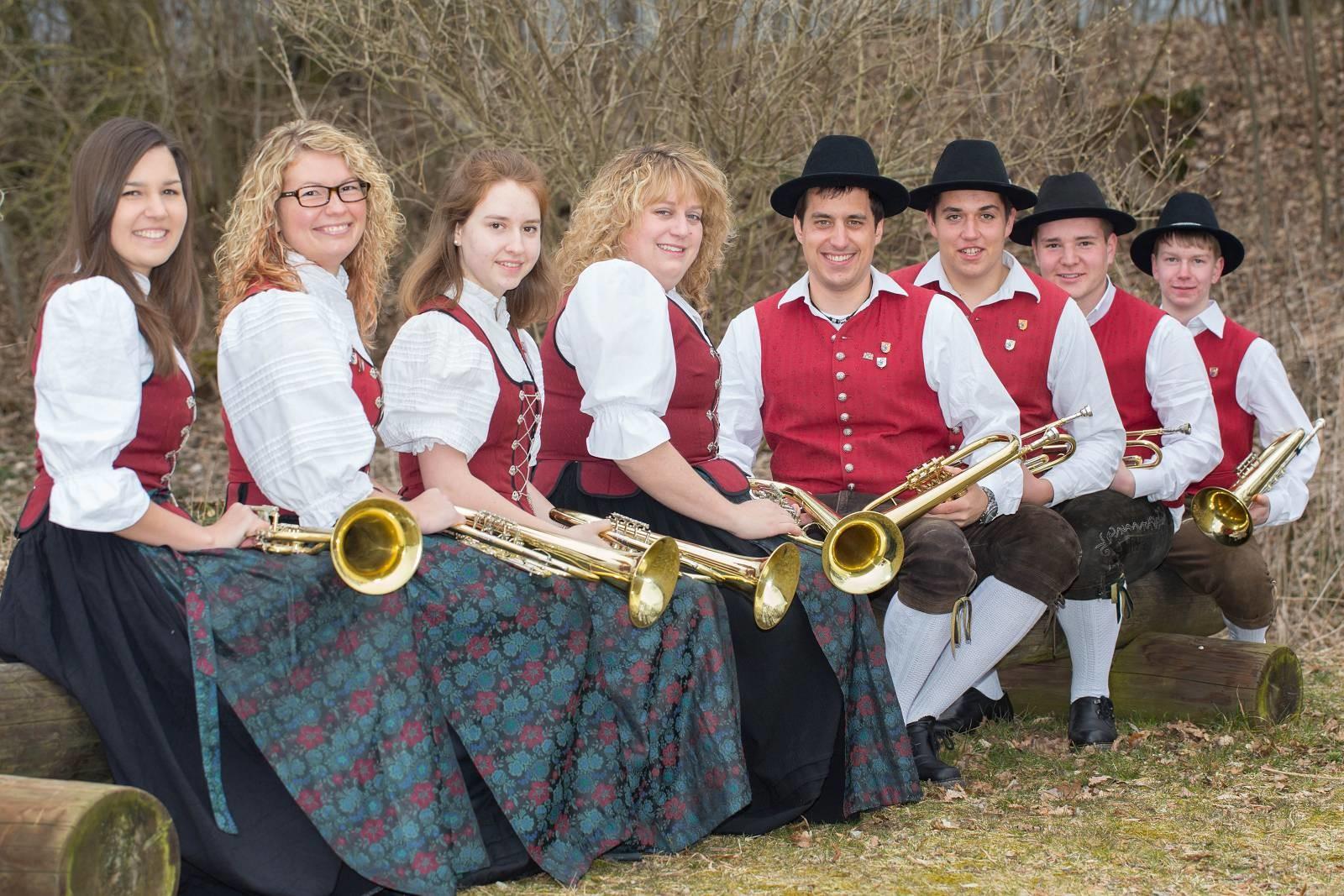 von links: Lena Muck, Kathrin Betz, Katja Maier, Petra Schuhwerk, Daniel Schedel, Patrick Wörz, Cedric Schreiber, Rainer Müller