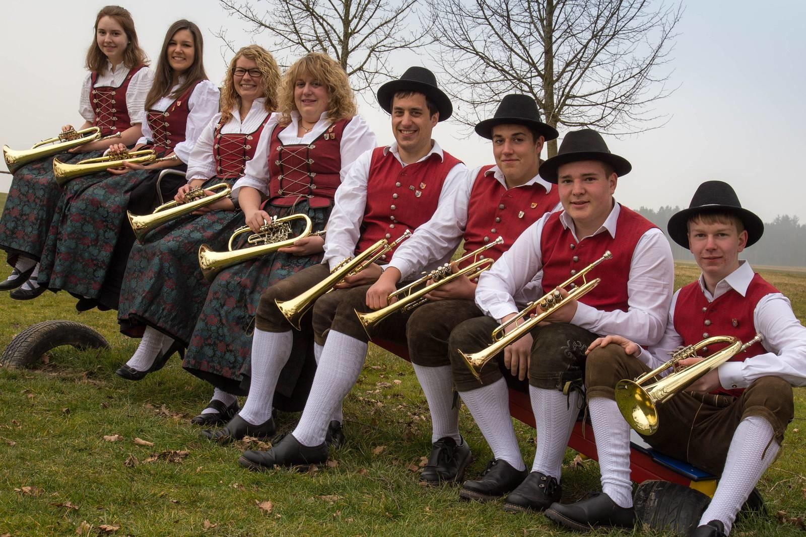 von links: Katja Maier, Lena Muck, Kathrin Betz, Petra Schuhwerk, Daniel Schedel, Patrick Wörz, Cedric Schreiber, Rainer Müller