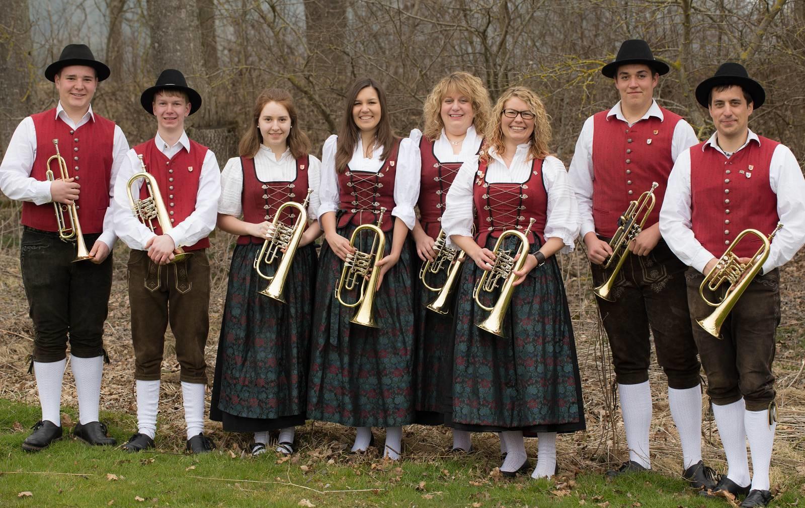 von links: Cedric Schreiber, Rainer Müller, Katja Maier, Lena Muck, Petra Schuhwerk, Kathrin Betz, Patrick Wörz, Daniel Schedel