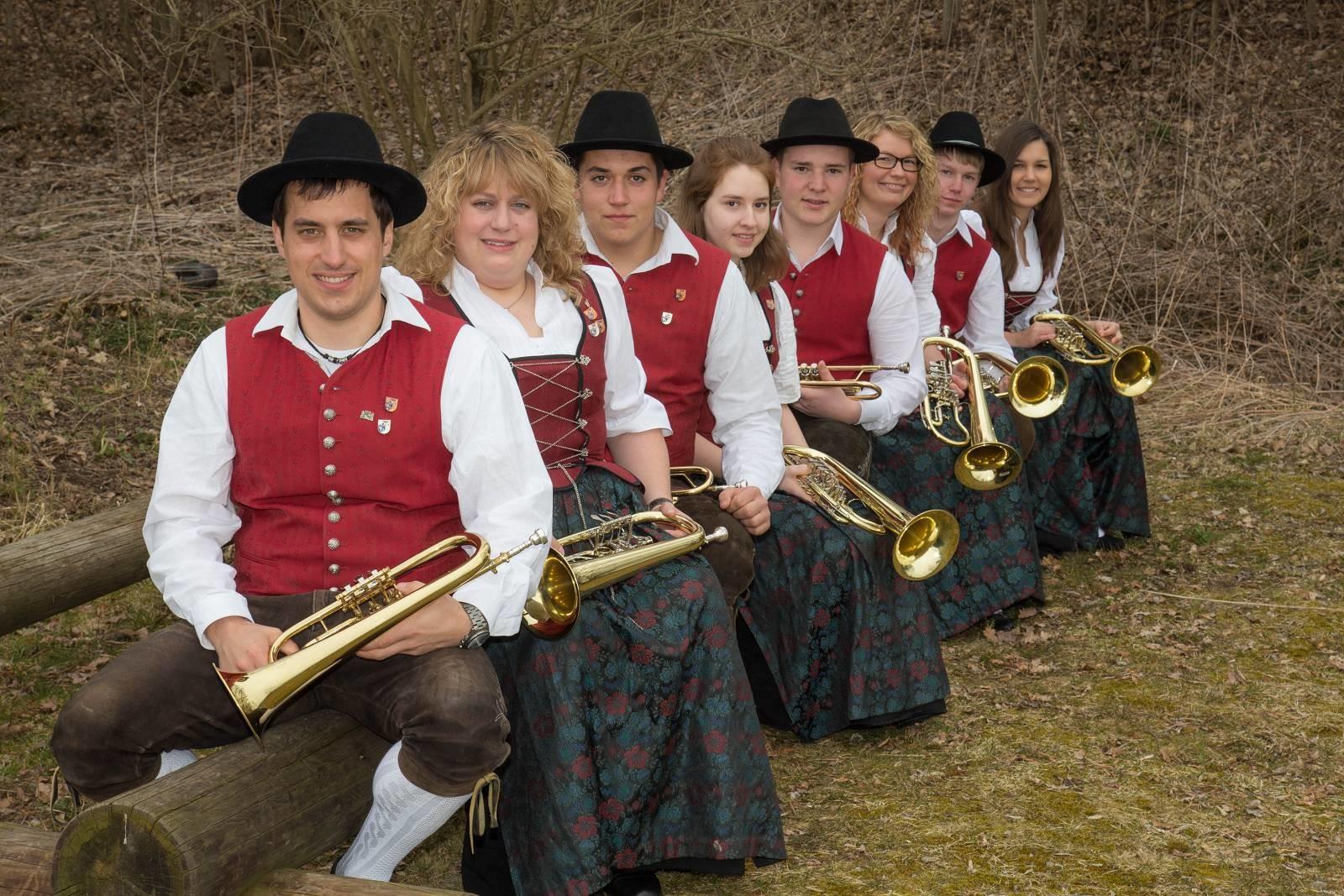 von links: Daniel Schedel, Petra Schuhwerk, Patrick Wörz, Katja Maier, Cedric Schreiber, Kathrin Betz, Rainer Müller, Lena Muck