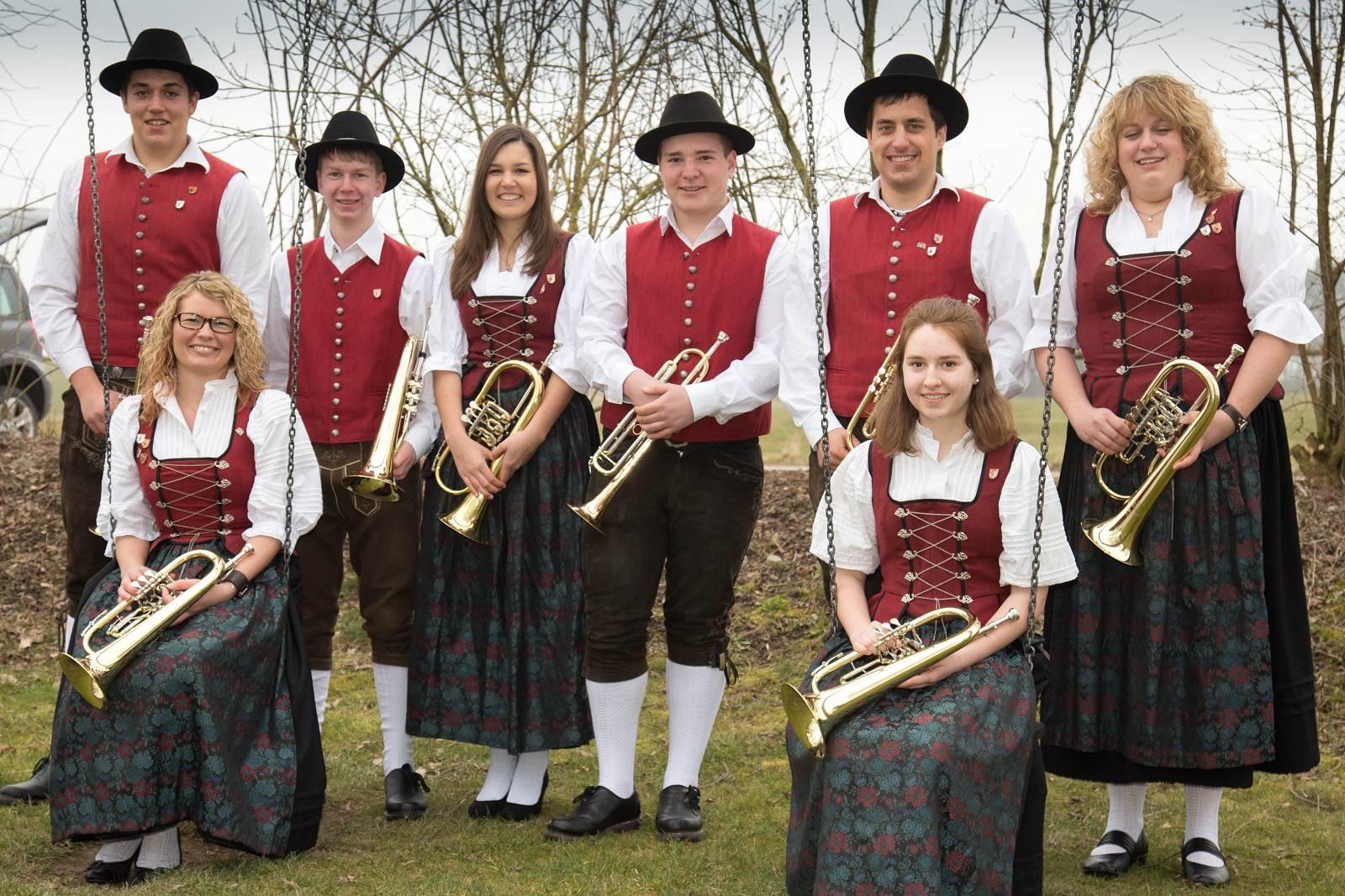 von links: Patrick Wörz, Kathrin Betz, Rainer Müller, Lena Muck, Cedric Schreiber, Daniel Schedel, Katja Maier, Petra Schuhwerk