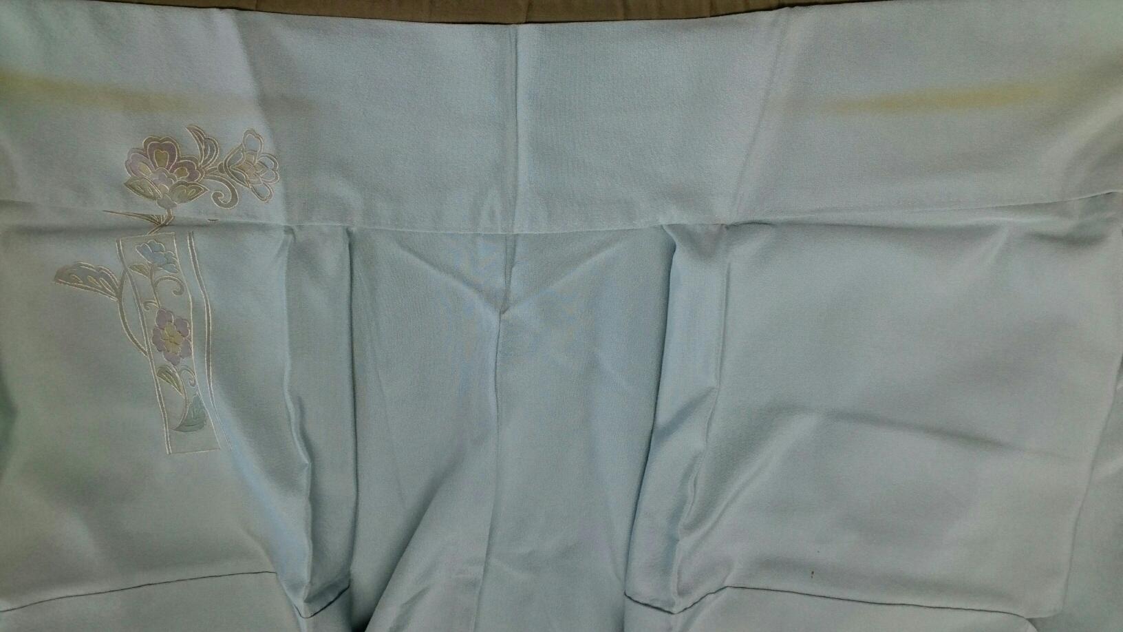 着物の襟元のシミ