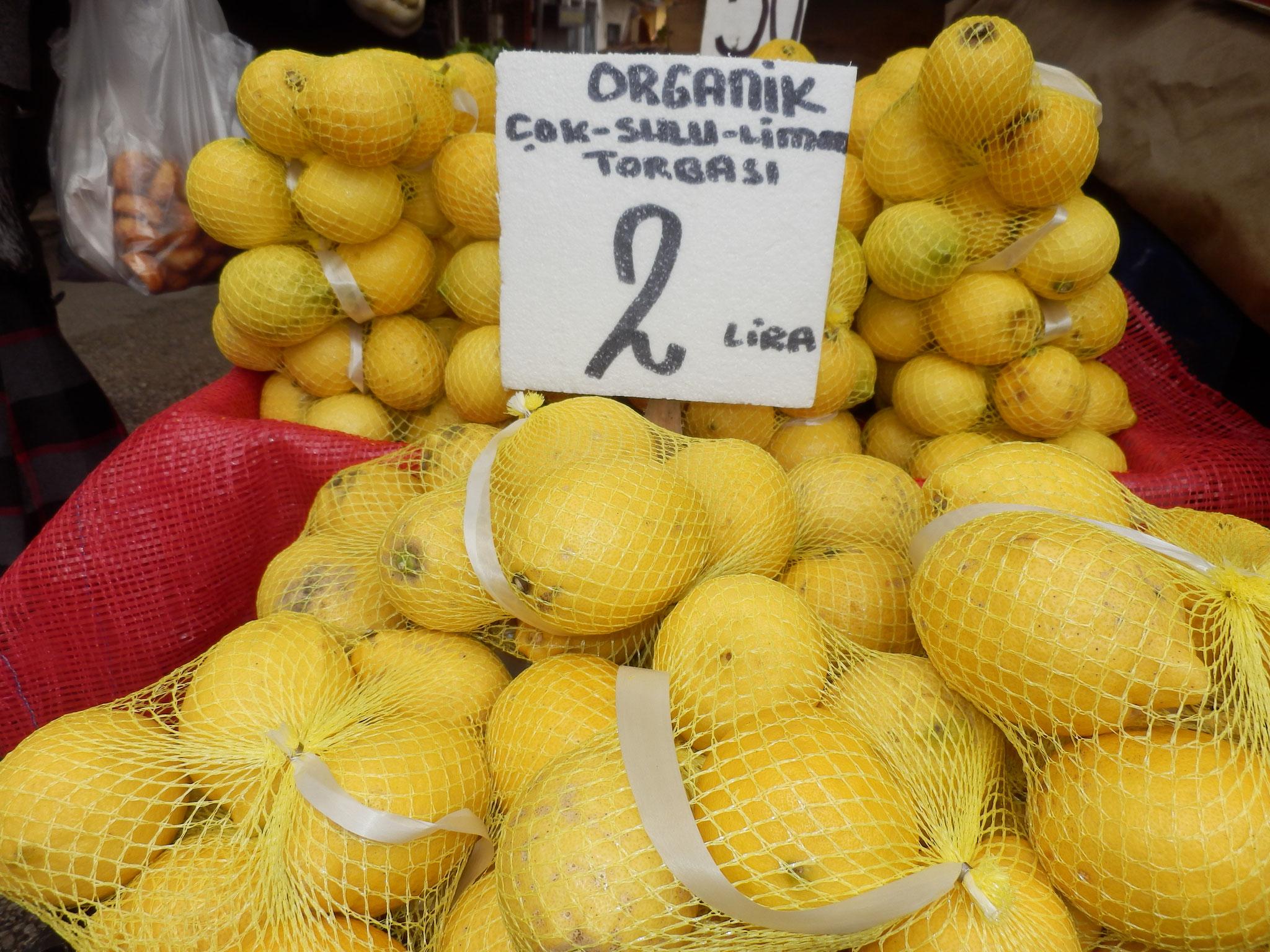 果汁たっぷり有機レモン1袋2リラ