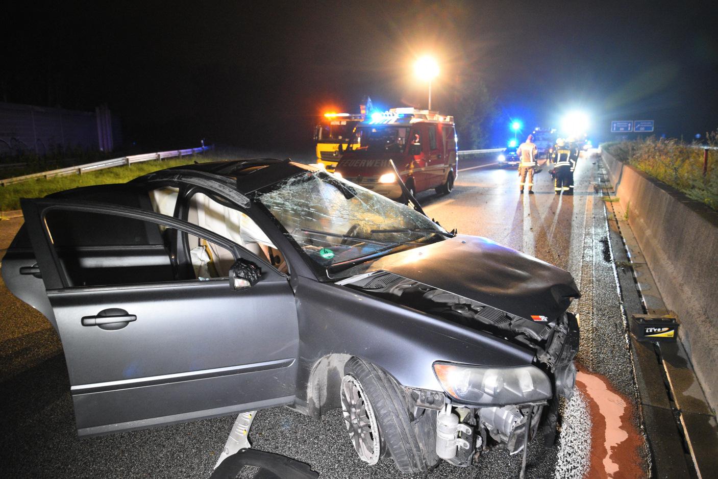 Weinheim: Autofahrer überschlägt sich mehrfach auf der A 659