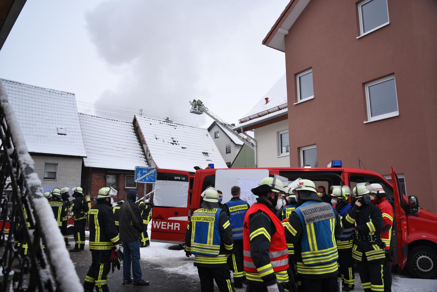Epfenbach: Scheunenbrand greift auf Wohngebäude über
