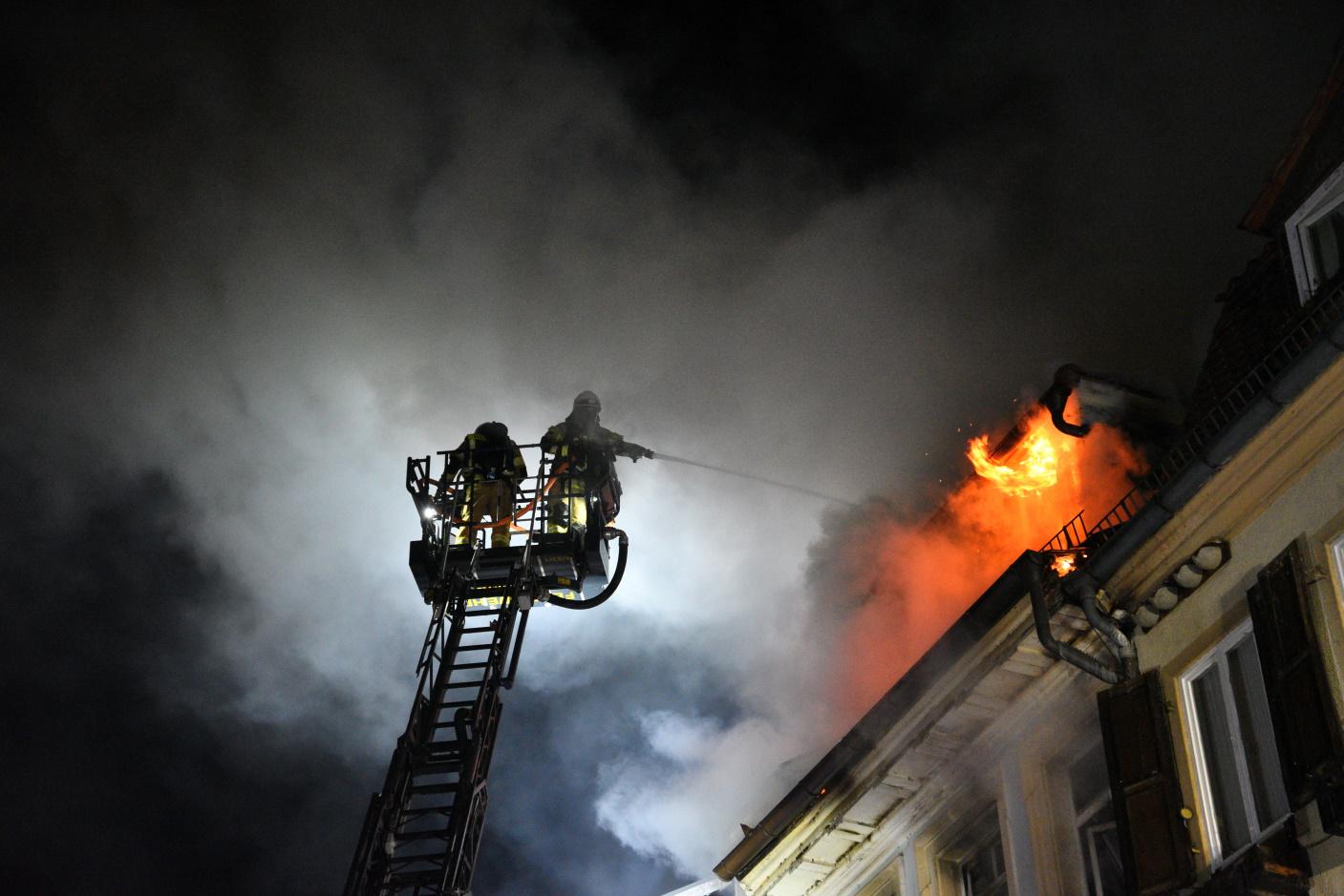 Heidelberg: Brand in der Altstadt - Feuerwehr im Großeinsatz