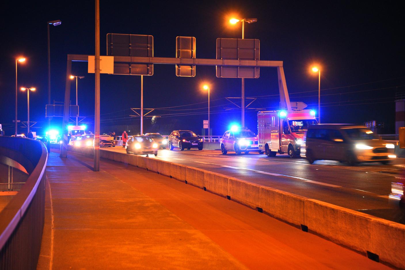 Mannheim-Innenstadt: Verkehrsunfall mit zwei schwerverletzten Personen und erheblichem Sachschaden