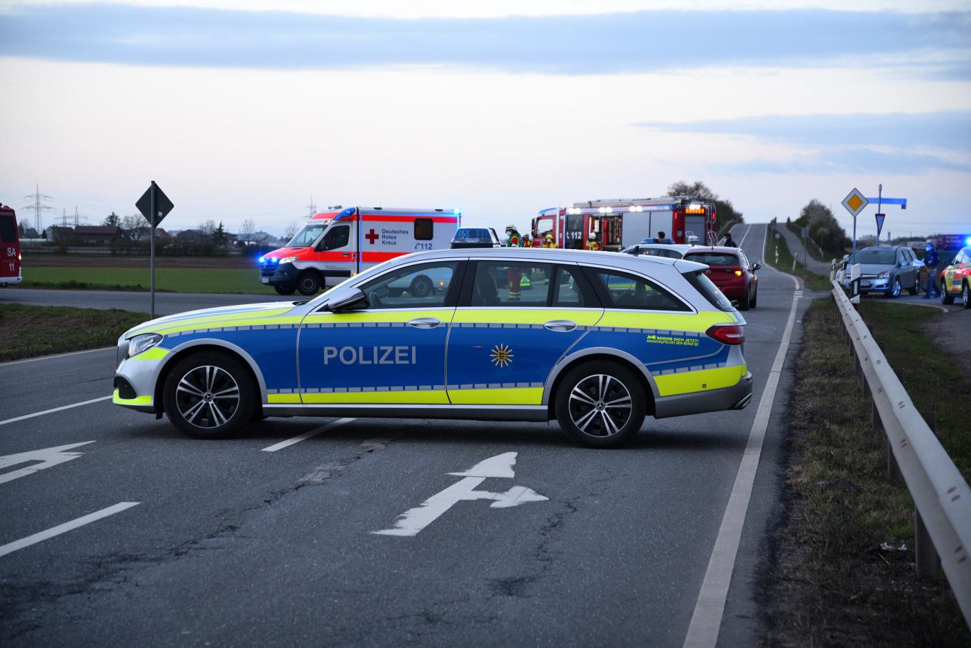 Sandhausen-Bruchhausen: Auffahrunfall mit zwei Verletzten
