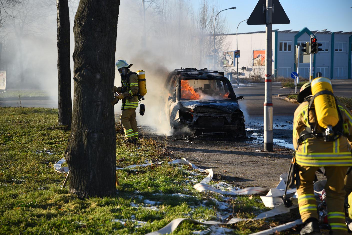 Mannheim-Oststadt: Feuerwehreinsatz wegen eines brennenden Fahrzeuges