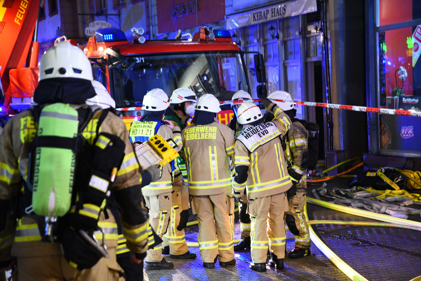 Heidelberg: Brand in Heidelberger Altstadt - Brandhaus einsturzgefährdet-Ermittlungen dadurch verzögert