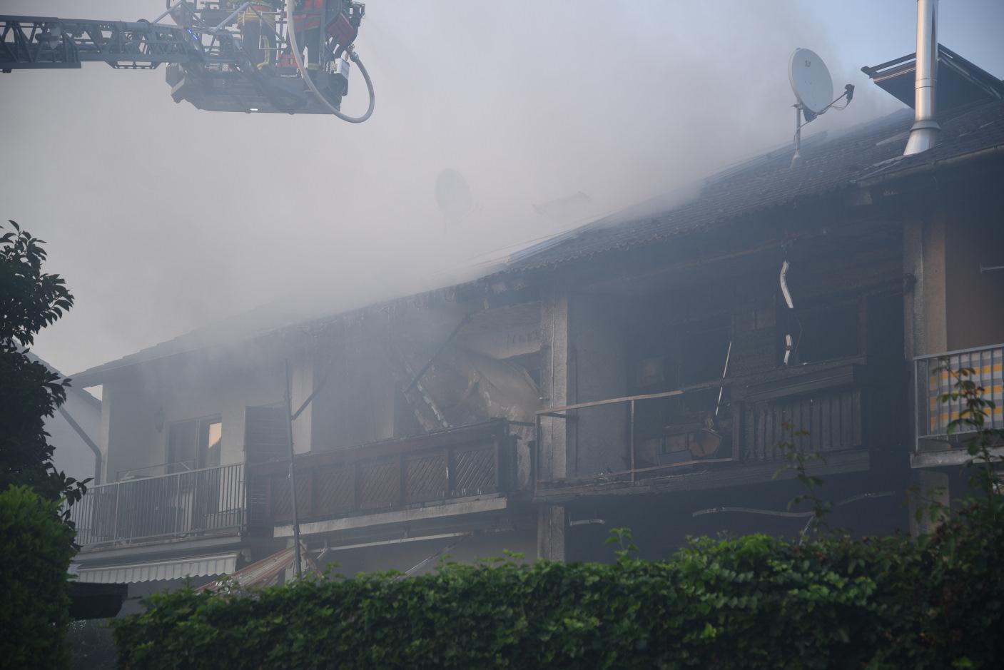 Laudenbach Rhein-Neckar-Kreis: Brand zweier Doppelhaushälften