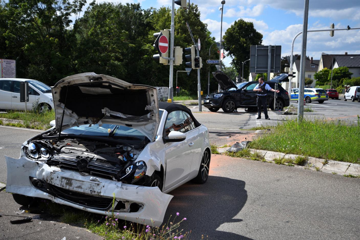 Mannheim-Feudenheim: Schwerer Unfall im Kreuzungsbereich