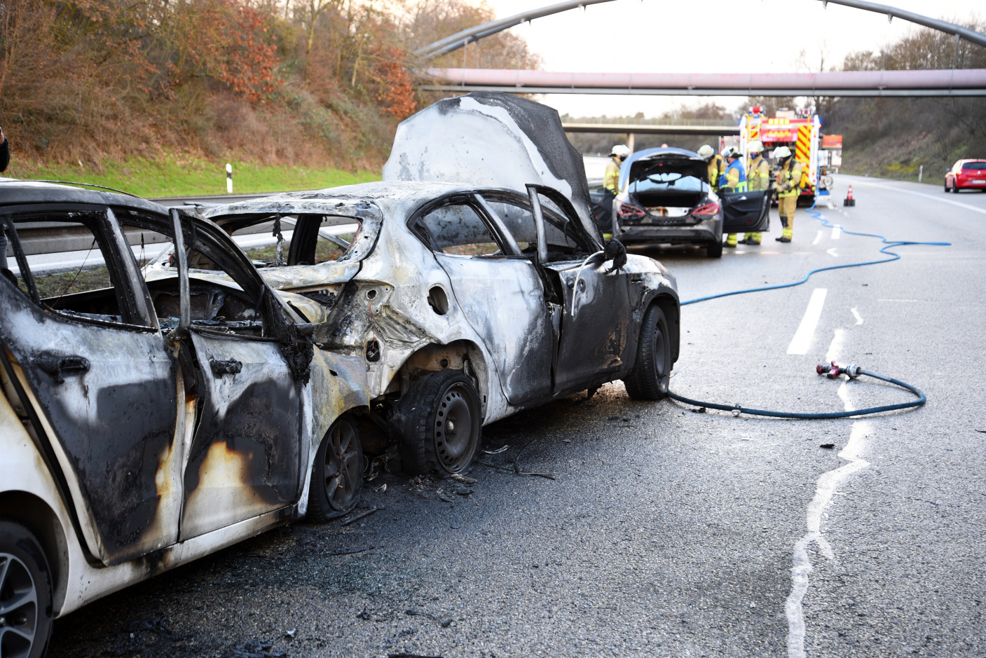 Mannheim-Rheinau: Schwerer Unfall auf B36 - Verursacher flüchtet - Die Polizei sucht Zeugen!