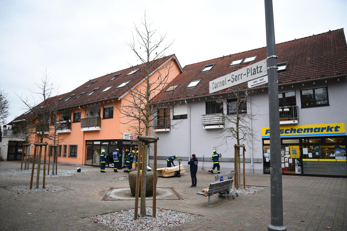 Sprengung eines Geldautomaten - Diebstahlsschaden noch unbekannt - Sachschaden ca. 50.000 Euro - weitere Zeugen gesucht