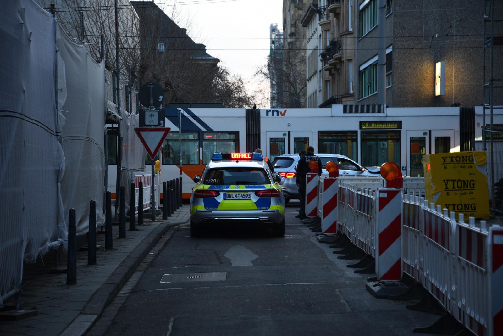 Mannheim: Zusammenstoß mit Straßenbahn