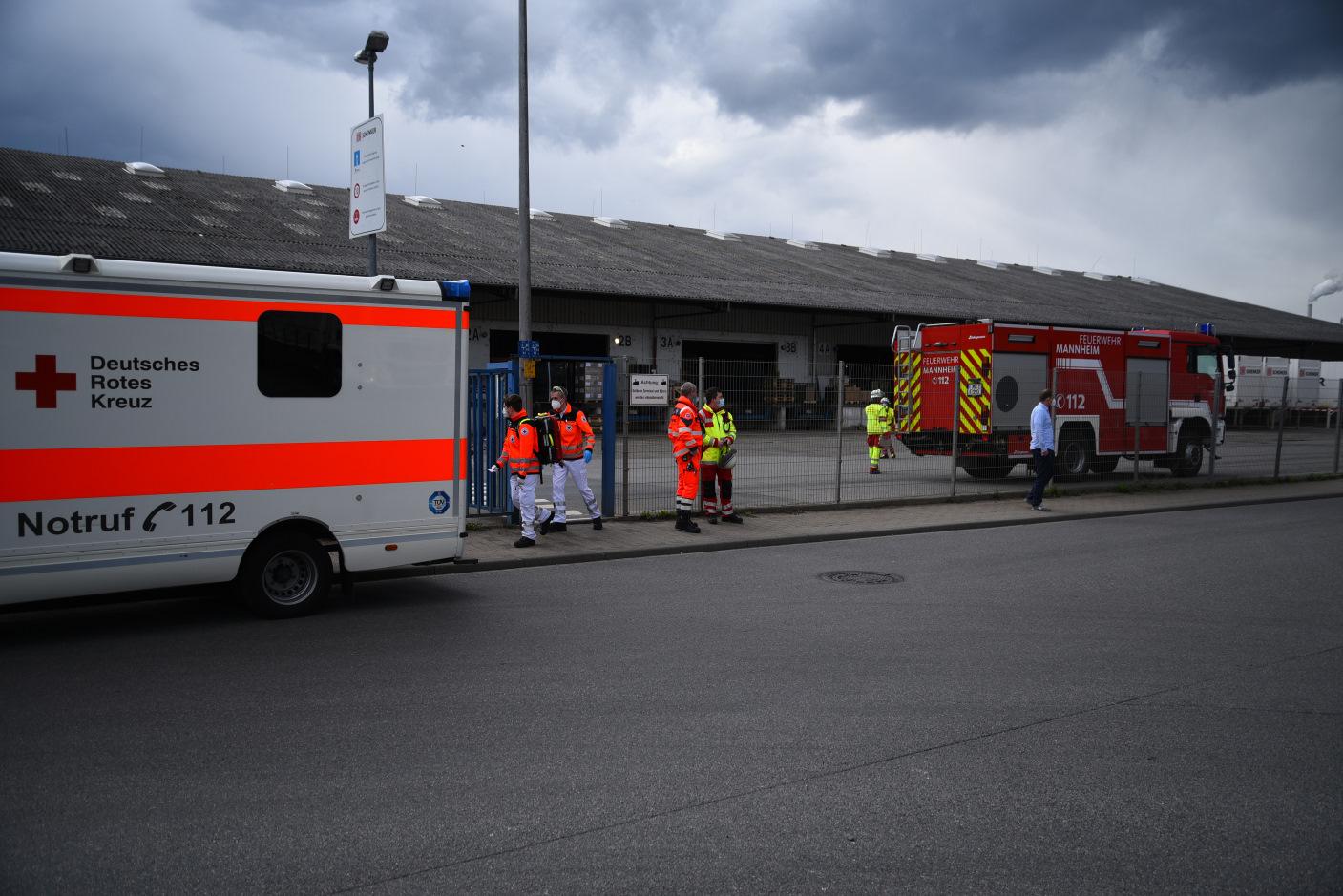 Mannheim: Gefahrgutunfall auf Betriebsgelände im Rheinauhafen