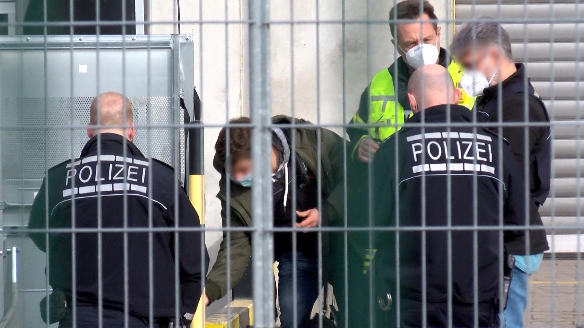 Leimen: Verdächtiges Paket im DHL-Verteilzentrum - kein Zusammenhang zu den explosiven Postsendungen der letzten Tagen