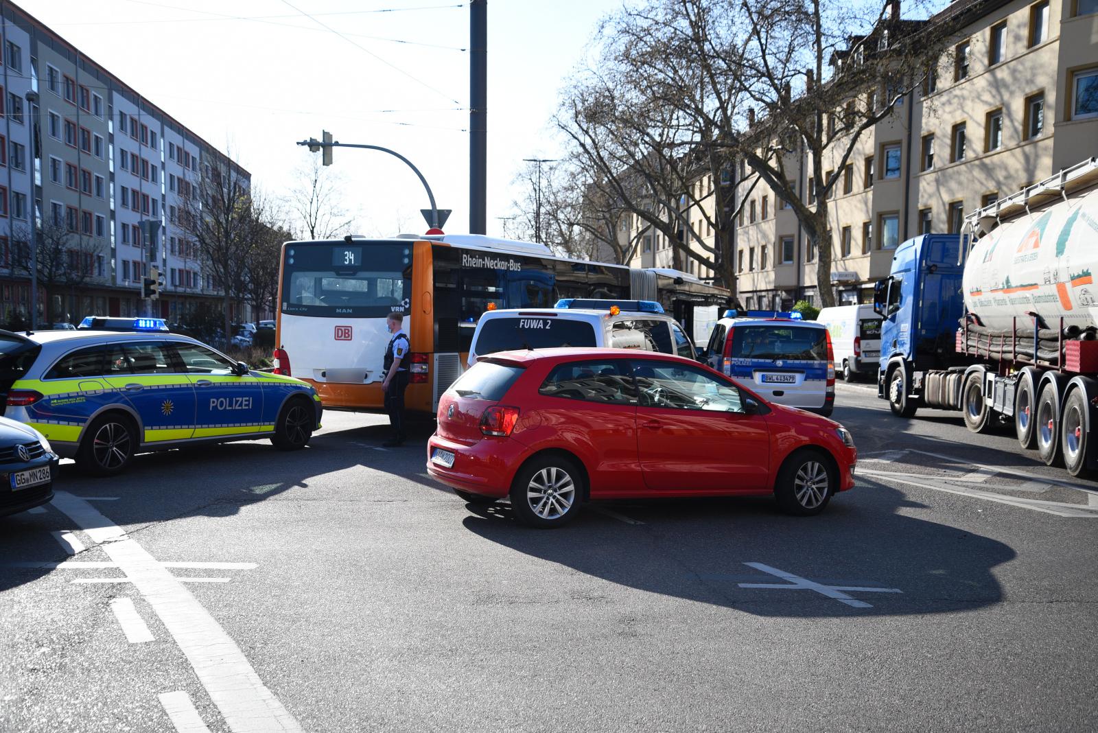 Heidelberg: Unfall mit Beteiligung eines Linienbusses - zwei Fahrgäste leicht verletzt