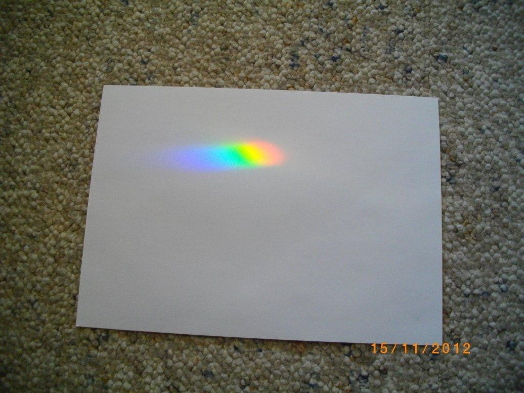 Lichtbrechung der Sonnenstrahlen durch einen Kristall