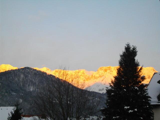 Goldener Untersberg, bestrahlt von der Morgensonne