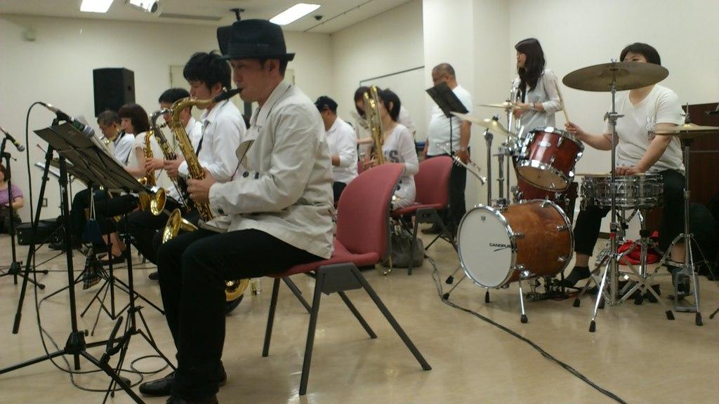 2012.05.03 教育会館研修ホール3階 ホーンセクション遠景