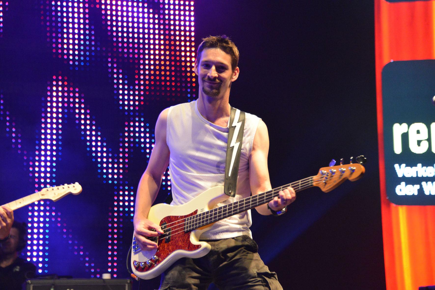 Andi - Bass