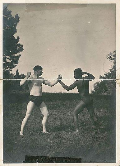 Pierre Le Gall et Blanchette - Collection M. Langlais, photo prise par un ingénieur de l'usine en 1933