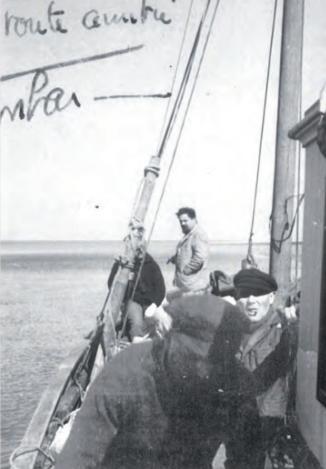 Alain Bombard avec Paul Harache 1947 - Coll Hervé
