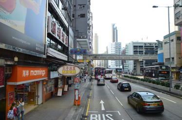 Lung Wo Road, view from a double-decker bus