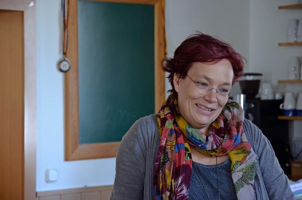 Simone Holzapfel ist Leiterin der Einrichtung.