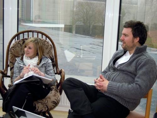 Adrian Küchenberg vom BRF und Elisa Schroeder im Gespräch