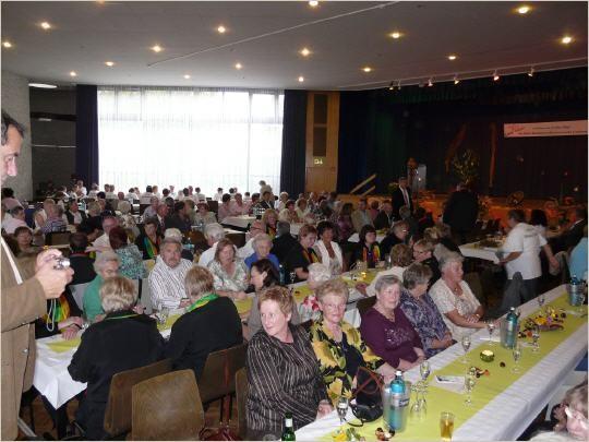 Der mit 280 Personen gut gefüllte Festsaal