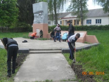 волонтери готуються до святкування 9 травня