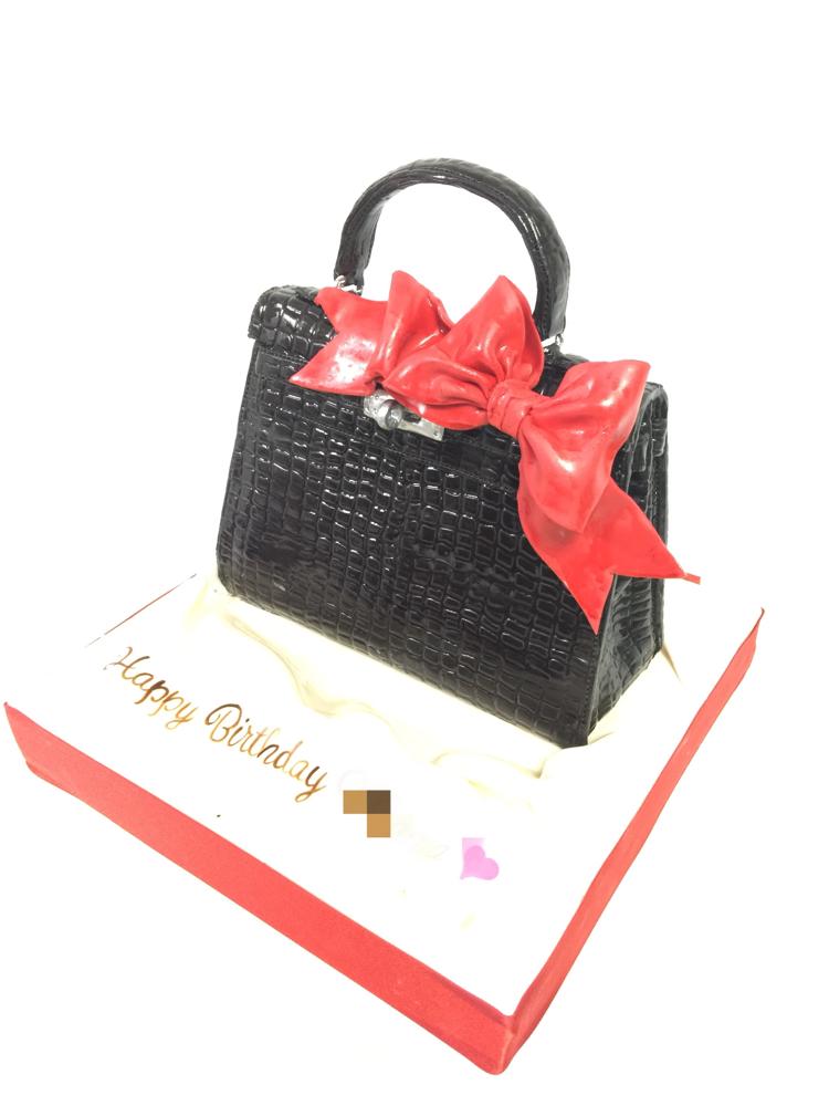 #ケリーバッグ #誕生日ケーキ #高級 #クロコダイル #バッグケーキ#bagcake #kellybag #pursecake #pateasucre #fondantdecoration #girlcake #fondantcake #Crocodile #🇯🇵