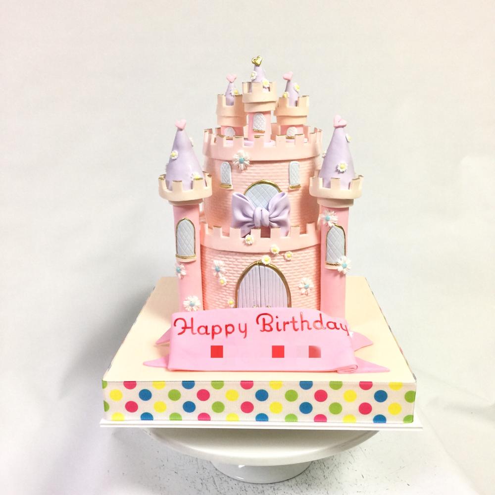 パステルカラーで可愛いお城ケーキ🎂 #お城ケーキ #お城 #パステル #プリンセス  #メルヘン #可愛い #プリティ #段ケーキ #誕生日ケーキ #castle #castlecake #kawaii #pastel #princess #cake #torte #gateau #ケーキ #🇯🇵