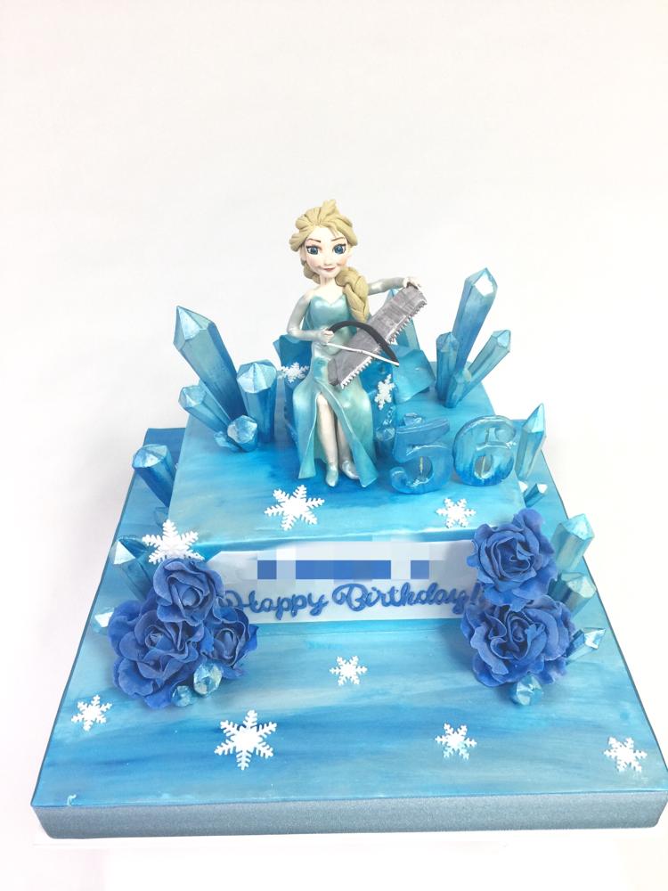 #アナと雪の女王 #エルサ風 #フローズン #ノコギリ演奏 #氷柱 #誕生日ケーキ #birthdaycake #fondantcake #fondantfigure #Frozen #Elsa #ice #cake #🇯🇵 #❄️