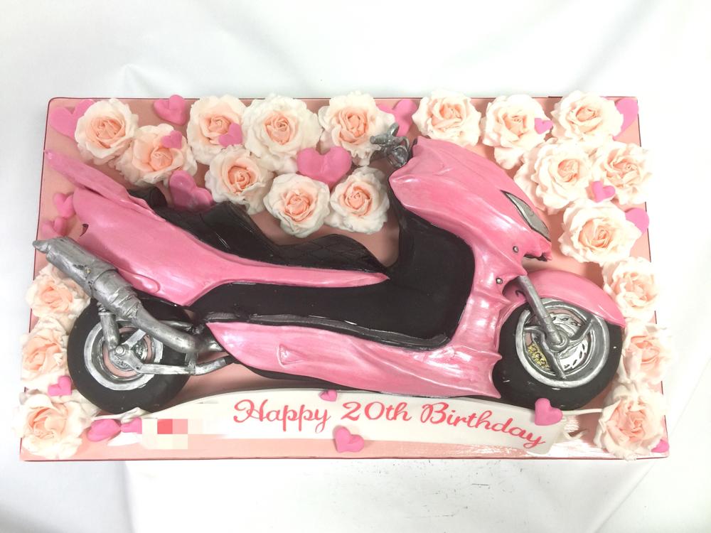ホンダ フォルツァ バイクケーキ🎂 #ホンダ #バイク #フォルツァ #スクーター #ピンク #バラ #50cm #バイクケーキ #誕生日ケーキ #honda #forza #motorcycle #motorcyclecake #pink #rose #handmade #cake #taarten #gateau #torta #🇯🇵