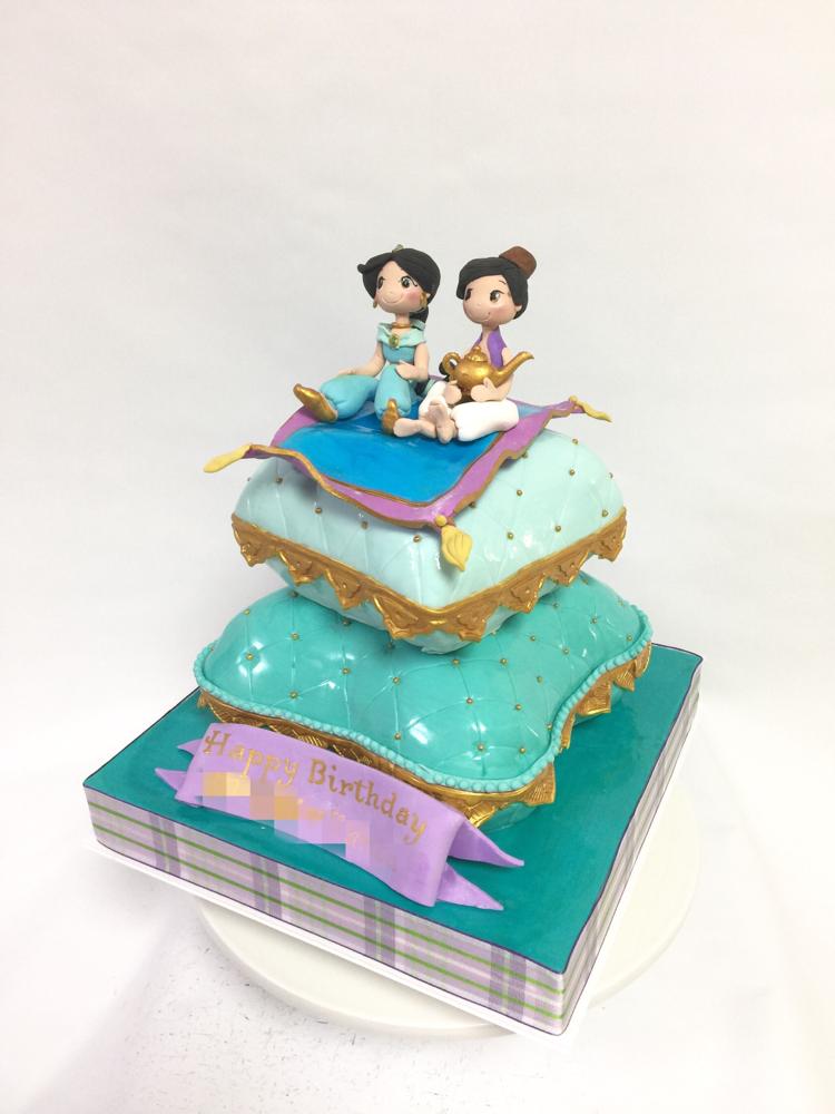#かわいい #アラジン #クッション #2段ケーキ #ミントグリーン #パープル #aladdin #cake #birthday #cushion #kids #🇯🇵 #お母さんデザイン