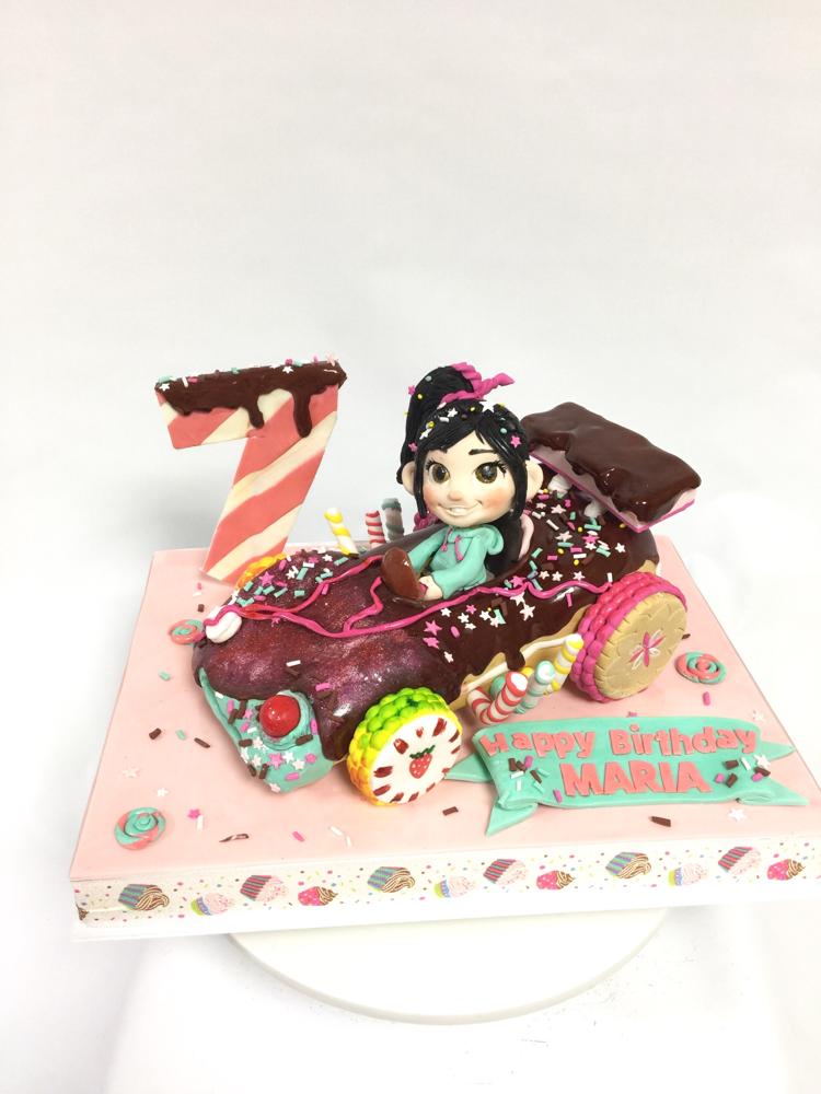 Maria Special Birthday Cake🎁🎉 #vanellope #vanellopecake #wreckitralphcake #wreckitralph  #charactercake #character #pateasucre #sekerhamuru #pastadizucchero #fondantcake #🇯🇵 #fondantfigure #7thbirthday #誕生日ケーキ #シュガーラッシュ