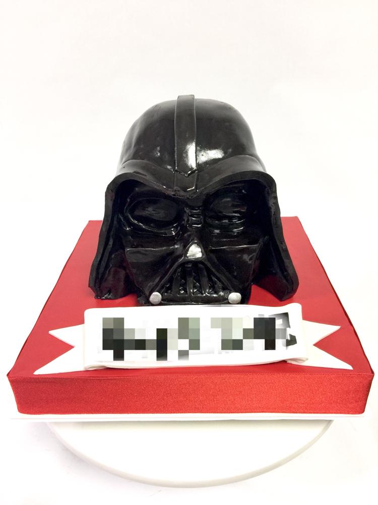 ダースベイダー型ケーキ #starwars #darthvader #starwarscake #darthvadercake #スターウォーズ #ダースベイダー #black  #誕生日ケーキ #生誕祭 #ケーキ #cake #cakedecorating #handmade #sculptedcake #fondantwork #fondantcake #pateasucre #pastadizucchero #japanmade #🇯🇵