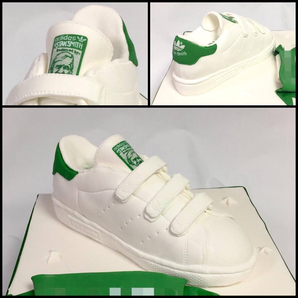 #スタンスミス #スニーカー #スニーカー女子 #アディダス #ケーキ #スニーカーケーキ #kickstagram #kicks #sneakers #stansmith #sneakercake #sneakerfreaker #fondantcake #adidasoriginals #adidas #adidascake #🇯🇵 #🎂