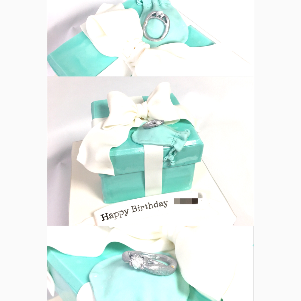 #tiffanyboxcake #tiffany #tiffanyblue  #tiffanybox #tiffanyjewelry #jewelry #tiffanyring #cake #fondantcake #fondantjewelry #boxcake #fashion #ティファニーボックス #ティファニーケーキ #砂糖指輪 #ボックスケーキ #誕生日ケーキ #旦那様から #🎁 #🎀 #🇯🇵