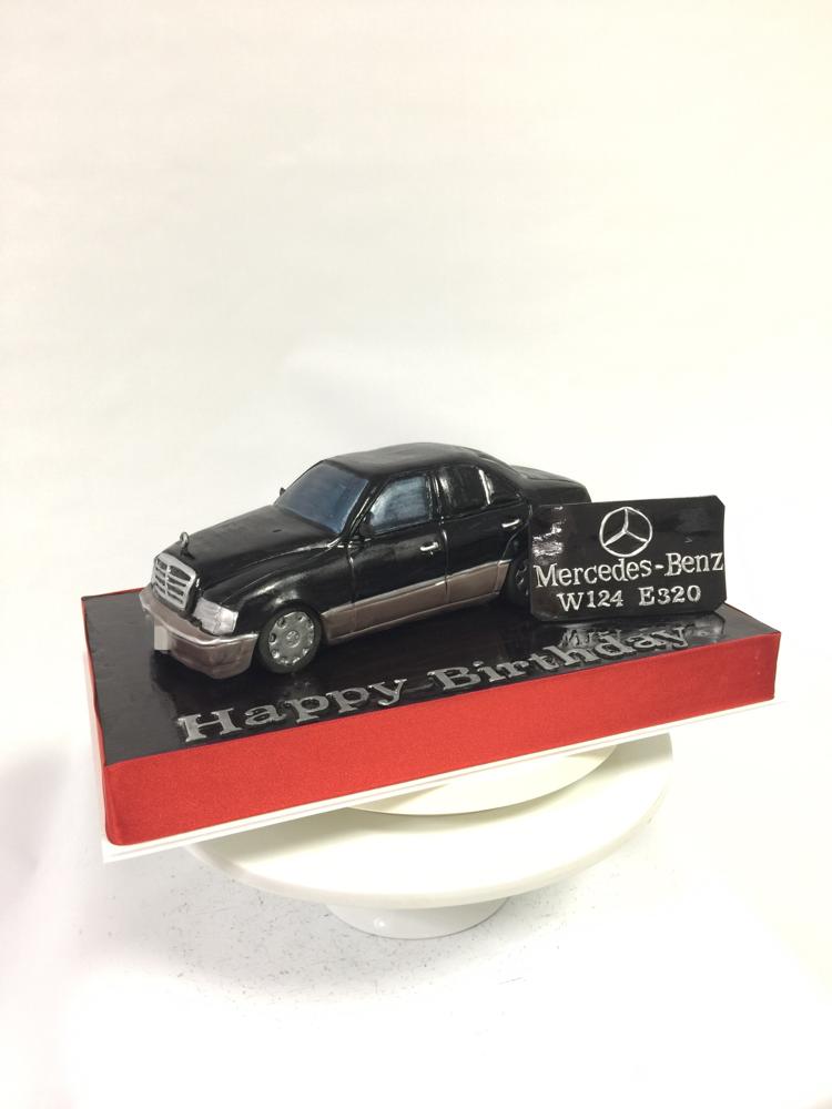 #メルセデスベンツ #車ケーキ #ドイツ車 #w124 #e320 #お父さん #車 #誕生日ケーキ #MercedesBenz #benz #germancar #mercedes #carcake #fondantcake #pateasucre #sekerhamuru #pastadizucchero #🇯🇵 #logo #benzcake