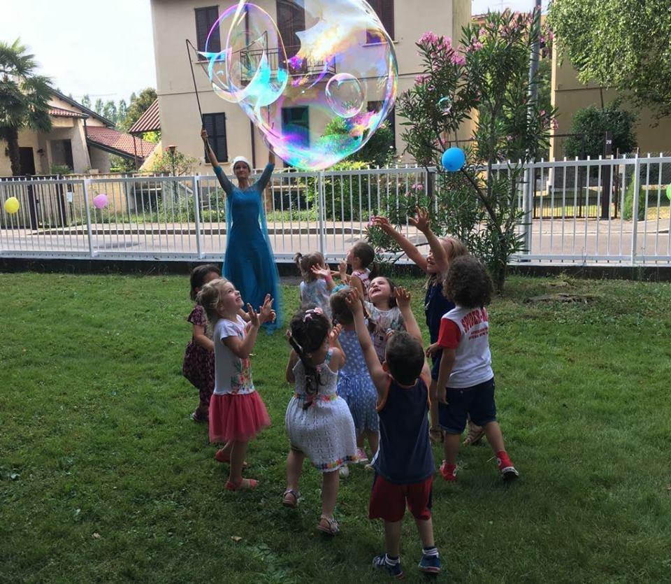 Animazione bimbi con spettacolo bolle di sapone
