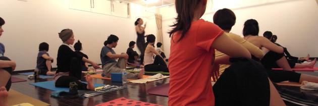 cozy オソトヨガ2011(春) チャリティーヨガ 春日井市 宮町店 A / 09:00~