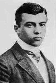 Jakob van Hoddis padeció esquizofrenia. Desde 1933 estuvo internado en una clínica psiquiátrica judía en Sayn, cerca de Coblenza. El 30 de abril de 1942, con el número 8, fue deportado por los nazis. Se desconoce la fecha exacta de su muerte.